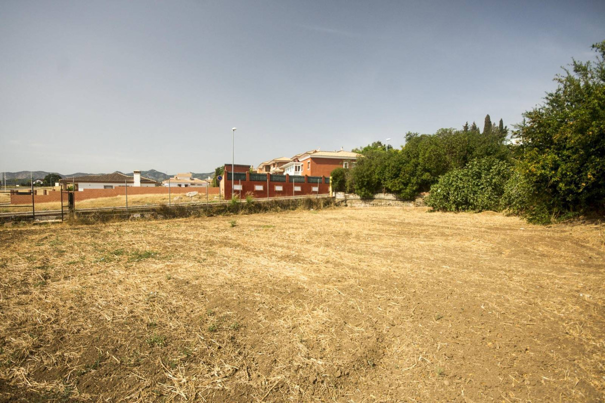 Excellent large level plot in the village of El Romeral. Lovely panoramic views. Tranquil location. ,Spain