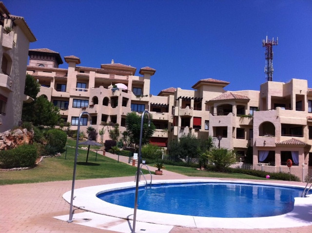Spacious and sunny apartment located in Benalmadena Pueblo, near the Butterfly and Stupa. Comprising,Spain