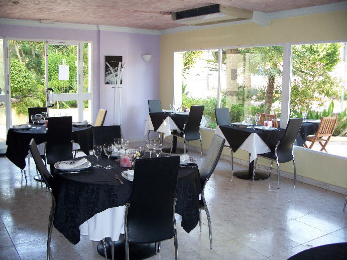 This popular Restaurant is close to the beaches and Estepona Marina.  The restaurant has seating for, Spain