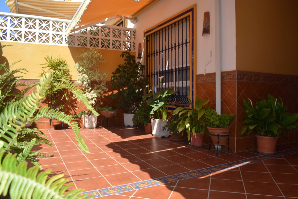 Fantastic opportunity in Marbella. Large townhouse located in the area of the bus station, near scho, Spain