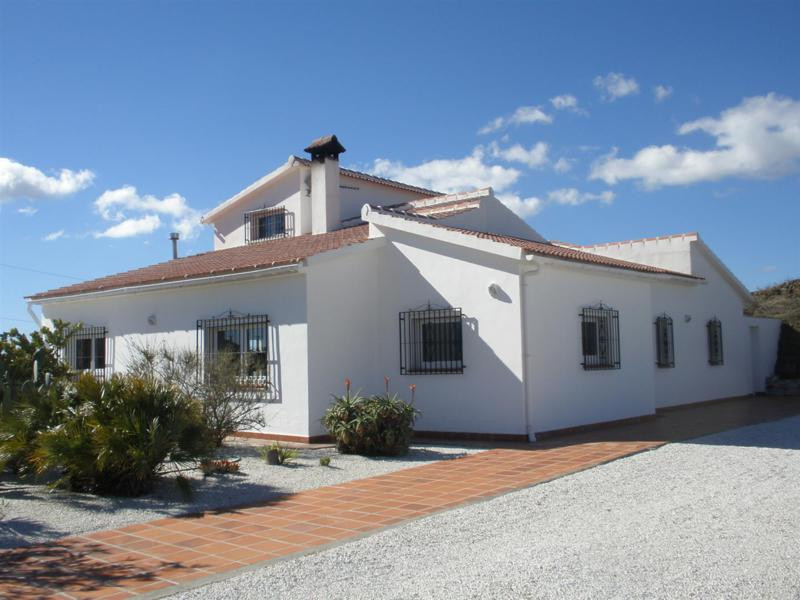 Beautiful Villa divided into 3 houses in Competa. The main house is built on 180 m2, consists of a l,Spain