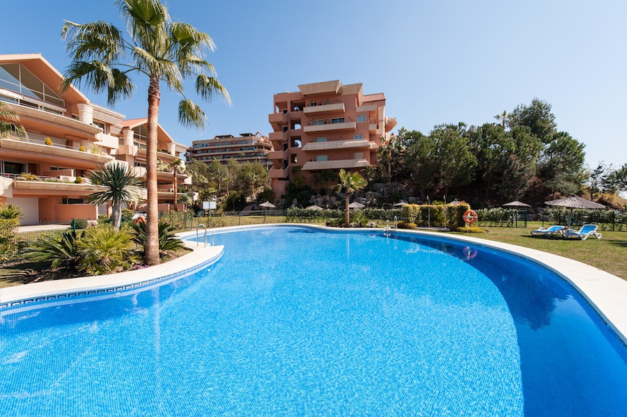 Fantastic 2 bedroom apartment in the heart of Nueva Andalucia. East facing with views over the golf , Spain