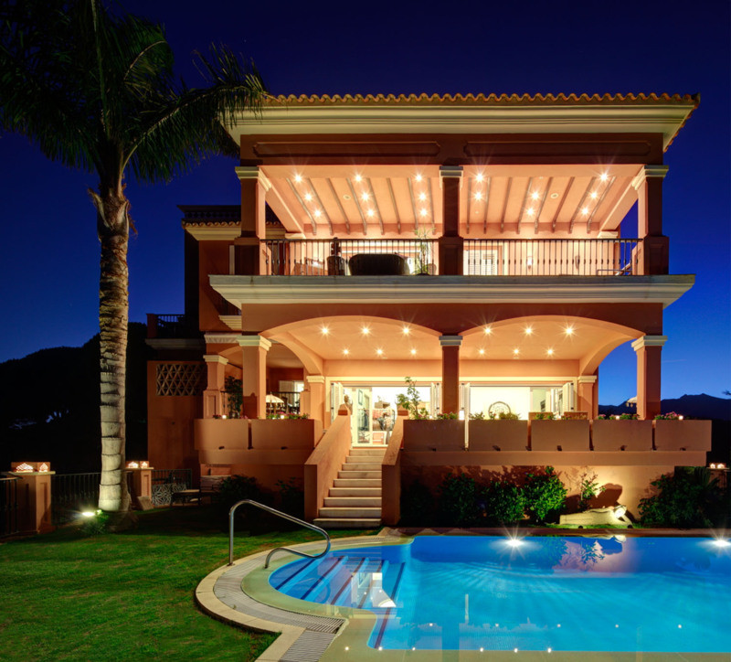 Detached Villa, Rio Real, Costa del Sol. 6 Bedrooms, 6 Bathrooms, Built 900 m², Terrace 150 m², Gard, Spain