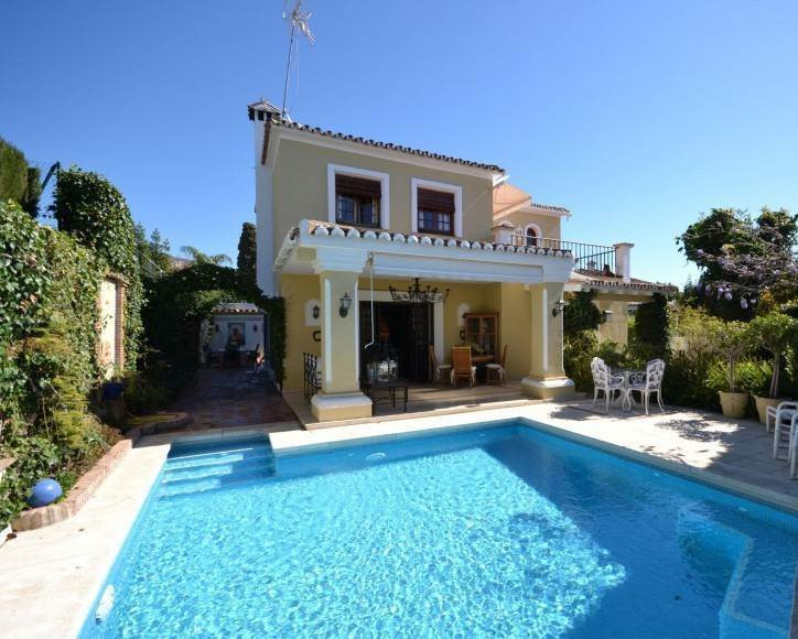 Magnificent opportunity to purchase a villa in one of the most exclusive areas of Marbella centre. T, Spain