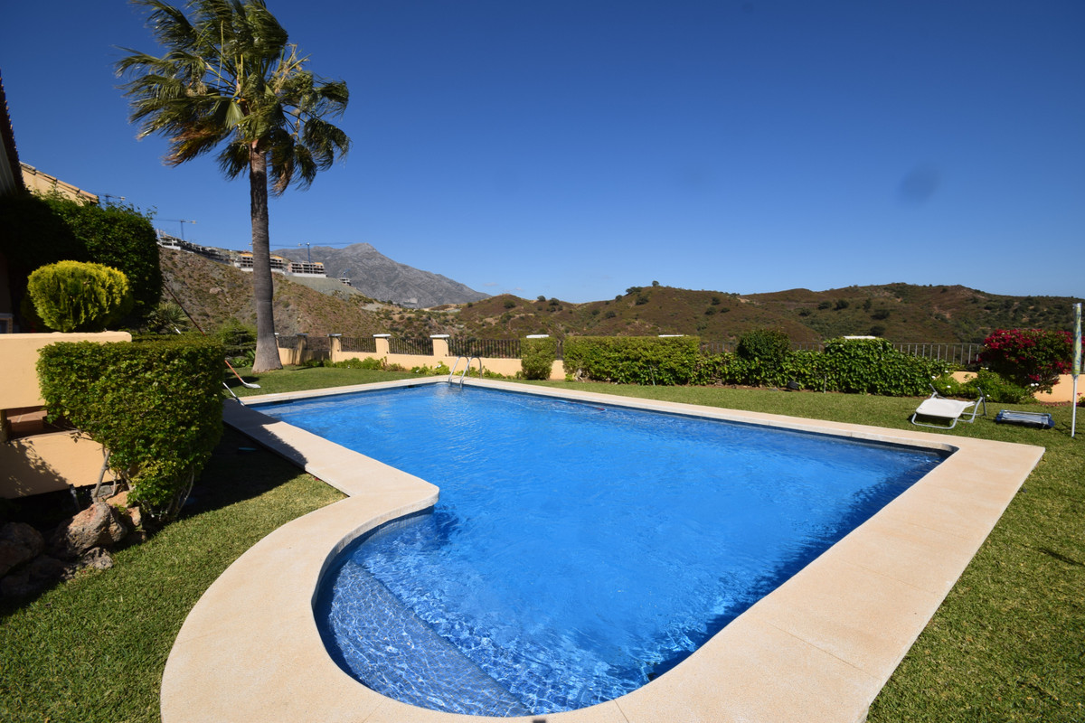 Rustic style family home situated next to La Quinta Golf School and within easy reach of all ameniti, Spain