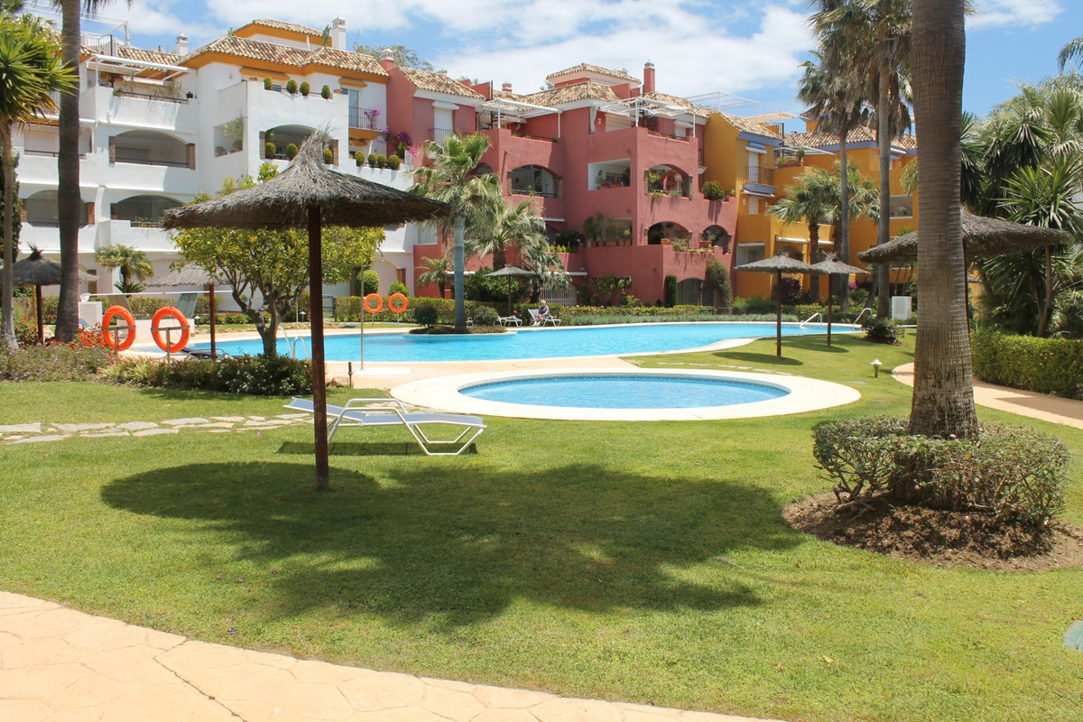 Ground floor apartment with 4 bedrooms, located in the Golden Mile, only 5 minutes walk from the bea, Spain