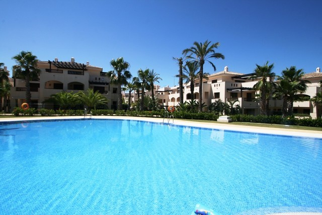 UNDER RESERVATION Luxurious 1 bedroom apartment in Nueva Andalucia, close to Centro Plaza shopping c,Spain