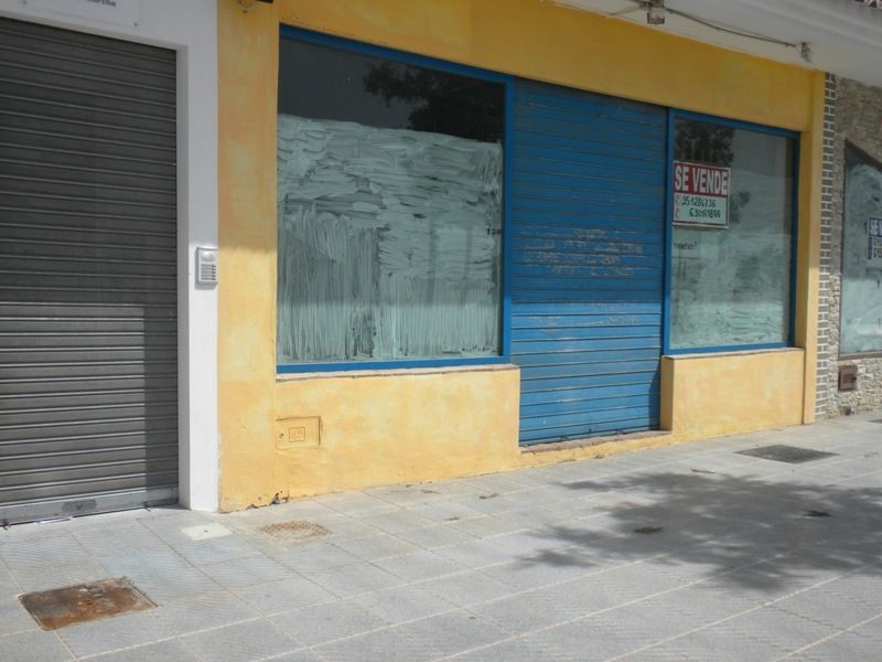 Situated in a prime, frontline location in El Morche ,This spacious property is  175m² with a terrac,Spain
