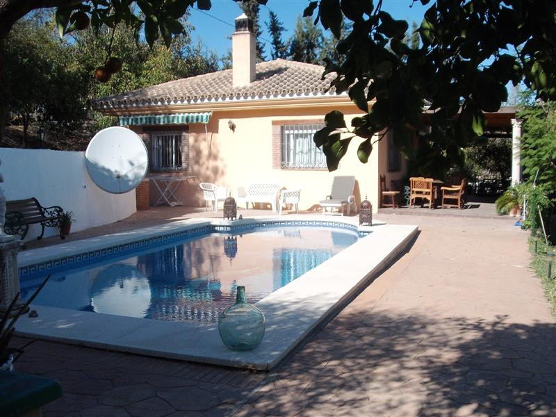 Beautiful countryside villa in Coin, just a short drive to/from Marbella. The 2 bedroom villa is sur,Spain