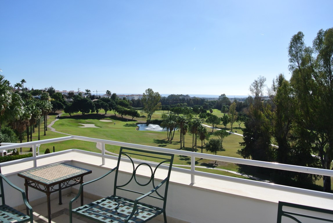 Beautiful Penthouse in this very nice an wantd community  Bright and well look after duplex Spectacu,Spain