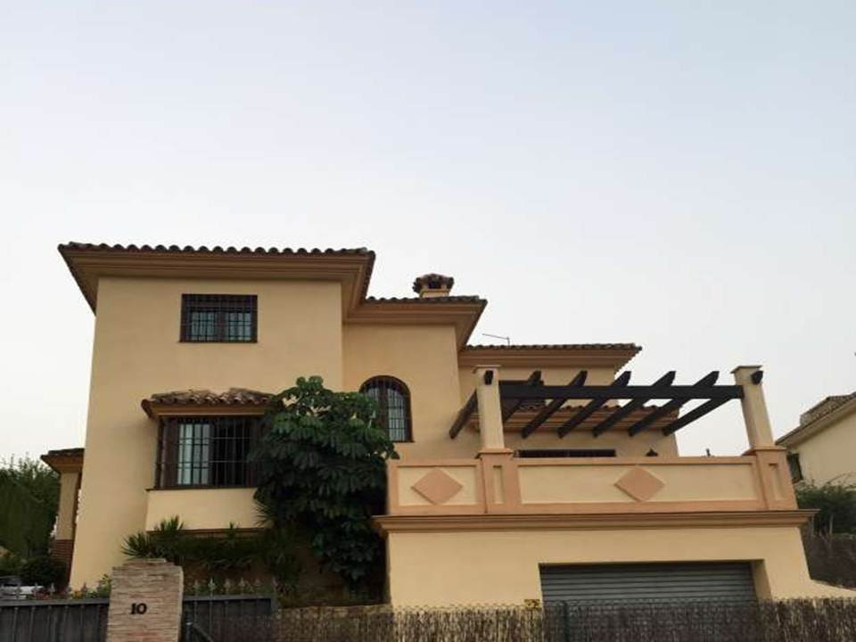 Rented until January 2018  The place you've always wanted awaits you!  It is a villa of 390 squa,Spain