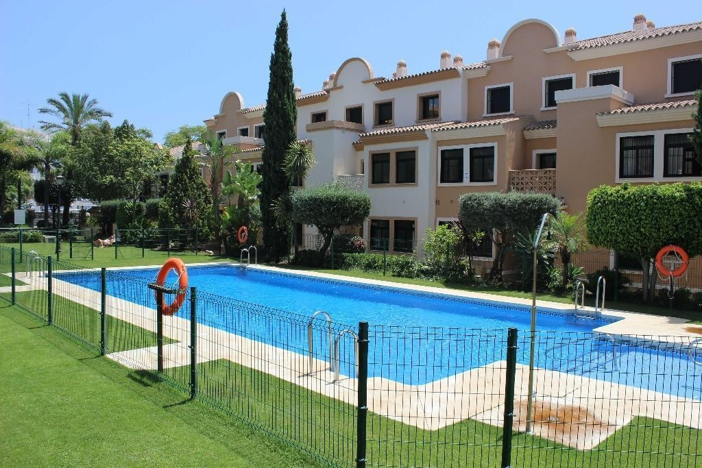 Spectacular duplex penthouse for sale at San Pedro Alcantara, Costa del Sol. In excellent conditions, Spain