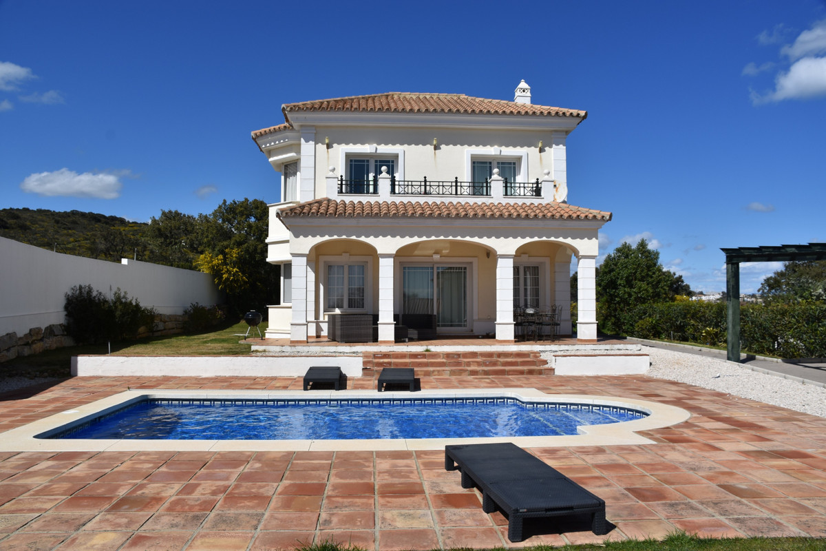 This is a stunning modern villa set in the Midsummer Mansions Urbanisation located in Torreguadiaro., Spain
