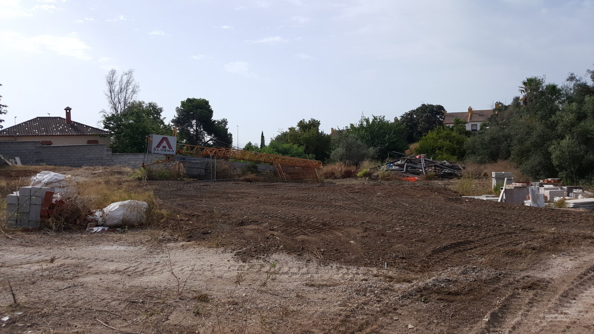 Well located residential plot of 1730m2 in Marbella with partial sea views and the famous mountain n,Spain