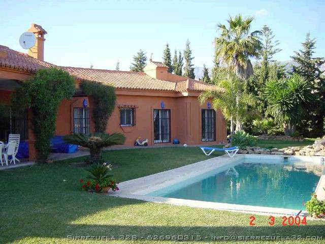 Luxury residencial villa with beautiful views, situated just ten minutes from Fuengirola and the new, Spain