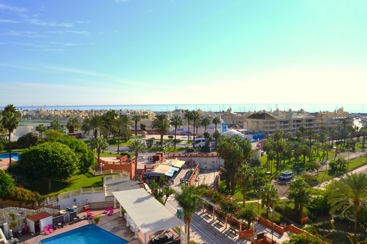 A very well located 1 bedroom apartment, first line from the beach and just a minute walking distanc, Spain