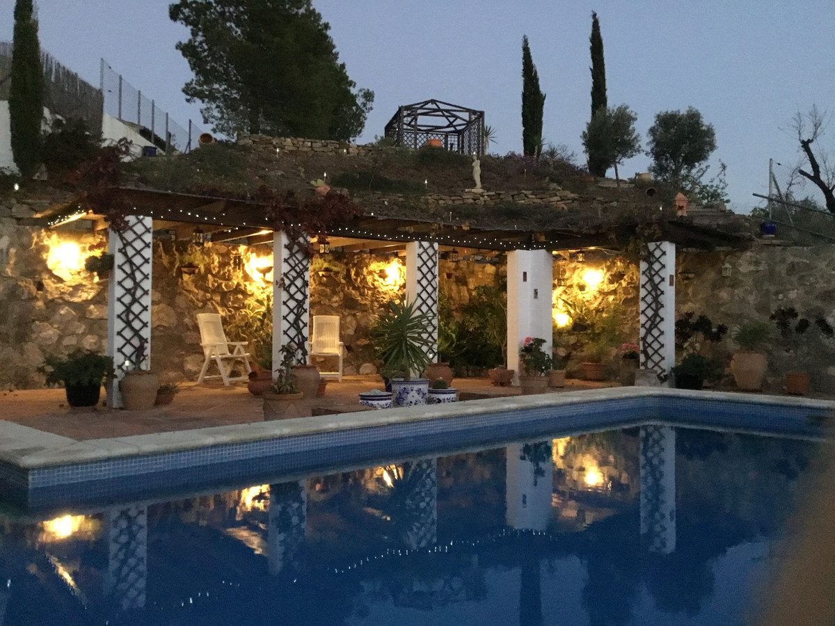Wonderful Villa on one floor situated in Los Romanes near the La Vinuela reservoir with spectacular , Spain