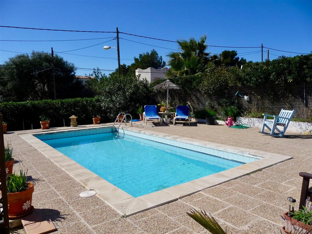 Cala Pi (Llucmajor) villa with pool has 4 bedrooms downstairs and two bathrooms, kitchen with underf, Spain