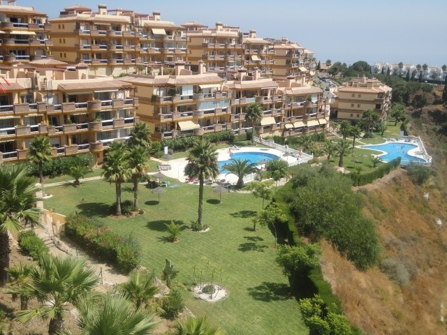Wonderful corner apartment with stunning panoramic sea views and gardens situated in elevated area o,Spain
