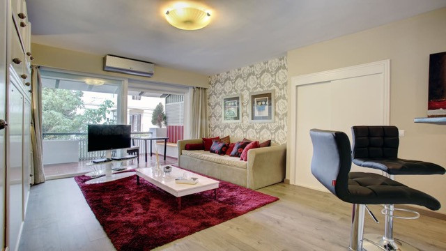 Fantastic opportunity to purchase a newly renovated apartment just two minutes walk from the famous ,Spain