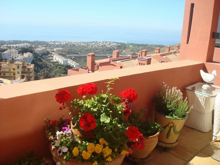 GORGEOUS LUXURY APARTMENT with most spectacular views to coast! Prestigious community with 2 swimmin,Spain
