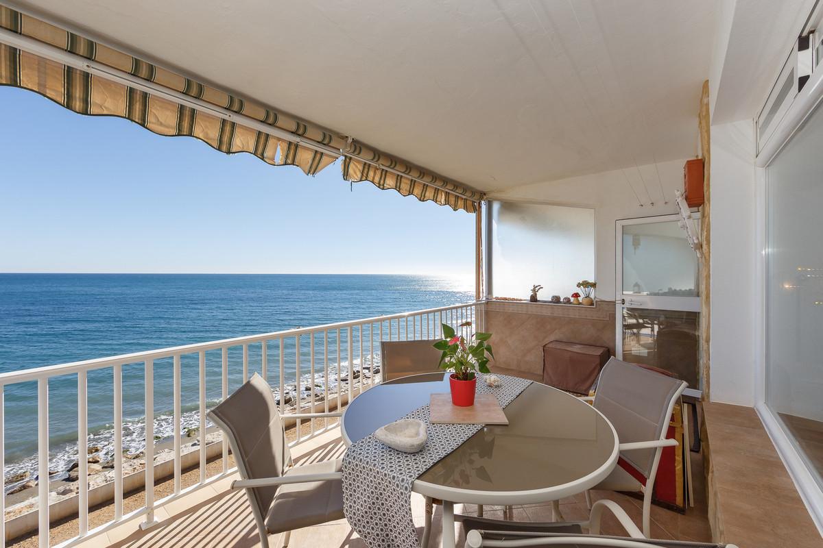 Middle Floor Apartment, Estepona, Costa del Sol. 2 Bedrooms, 1 Bathroom, Built 70 m².  Setting : Bea,Spain
