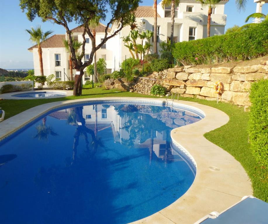 Sunny, charming and south facing 2 bedroom apartment 1,8km meters to the beach at the New Golden Mil,Spain