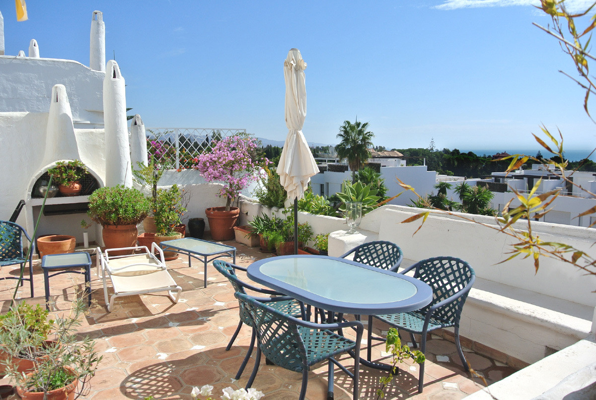 This apartment is located in Las Lomas de Marbella Club in the heart of the Golden Mile of Marbella,, Spain