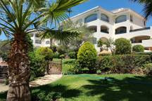Beautiful apartments with 2 bedrooms and 3 bathrooms on the ground floor in Vista Hermosa, Bahia de , Spain