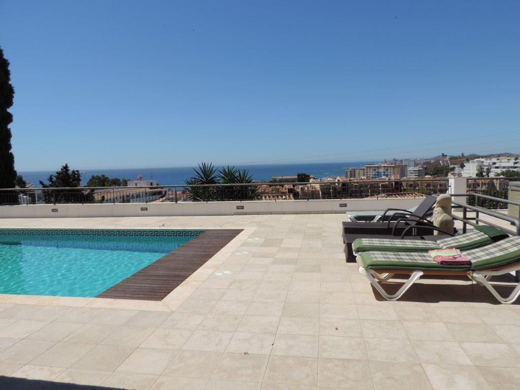 Spacious luxurios villa in the lower part of Torreblanca del sol. Modern of new construction (2007),, Spain