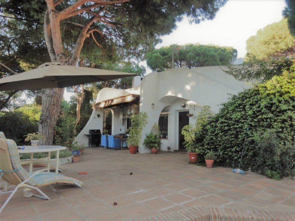 Detached villa with private plot of 500m2, completely reformed, has 2 bedrooms, 2 bathrooms, living , Spain