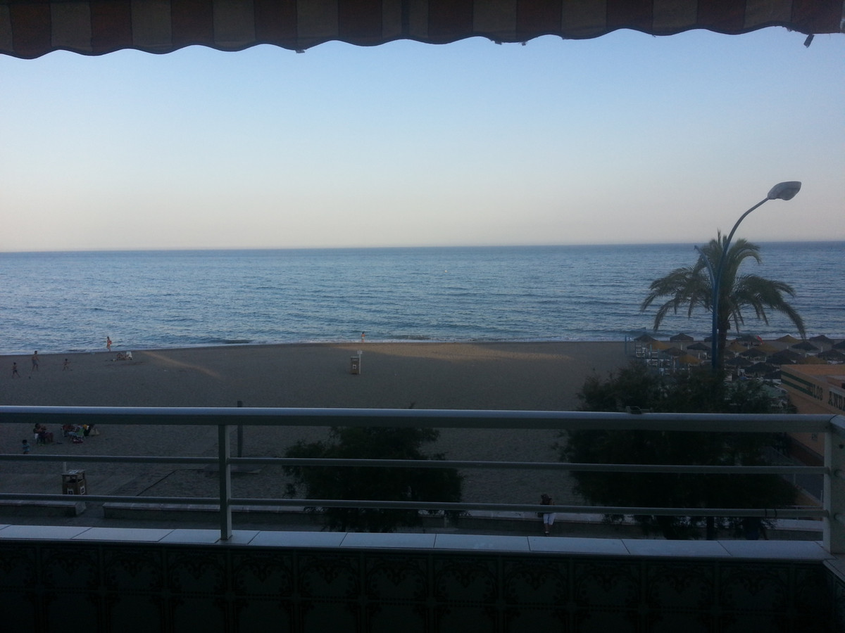 Beautiful and spacious apartment on the beach of Carvajal, first line It has 70 meters, 1 bedroom, 1,Spain