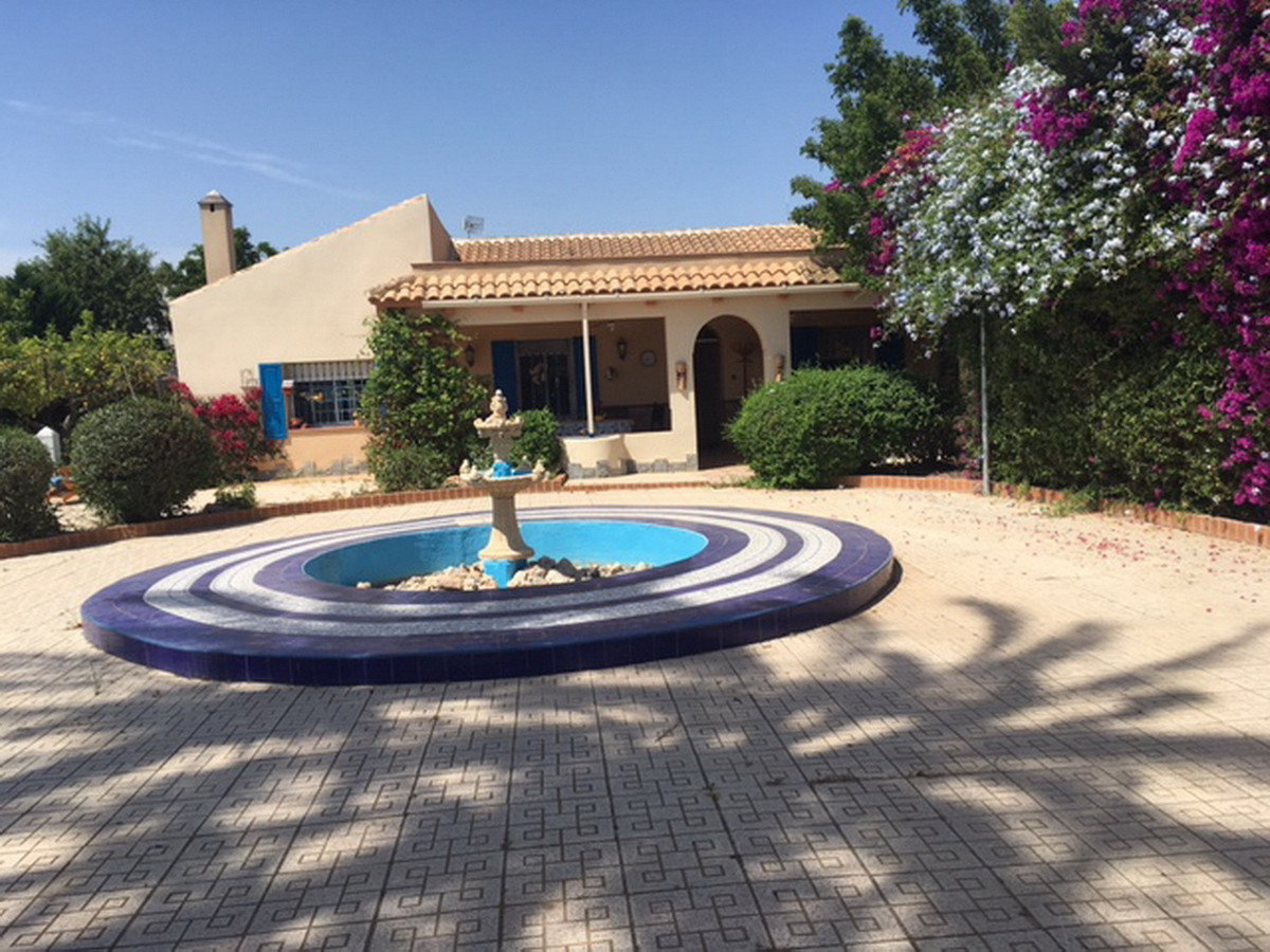POZA ESTRECHO - LARGE AND RECENTLY RENOVATED FINCA IN TRANQUIL LOCATION CLOSE TO THE TOWN AND BEACH., Spain