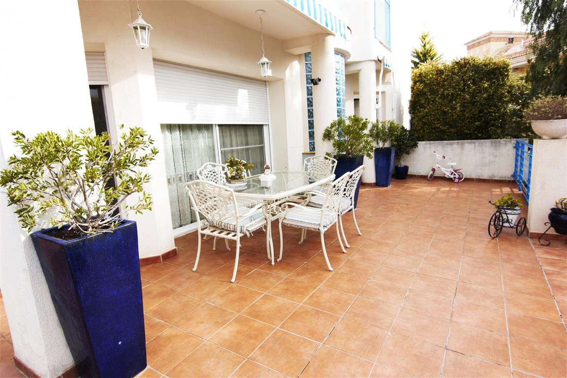 FABULOUS SOUTH FACING 4 BED VILLA WITH STUNNING SEA AND MOUNTAIN VIEWS!  This outstanding property i,Spain
