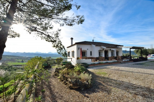 RUSTIC COUNTRY HOUSE WITH PANORAMIC VIEWS  A Delightful 3 bedroomed detached house standing in a out,Spain