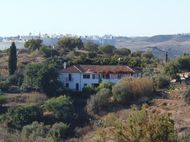 The is a great opportunity to acquire a lovely country property, with stunning country and mountain ,Spain