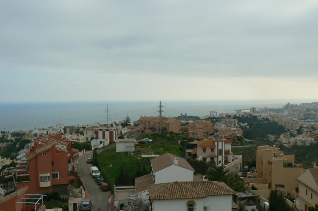 Lovely apartment located close to Fuengirola town, with all-time views of the sea and the city. The ,Spain