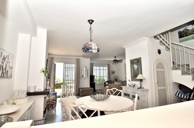A beautiful and spacious beachfront townhouse in La Duquesa. The house comprises 3 bedrooms, 2 bathr, Spain