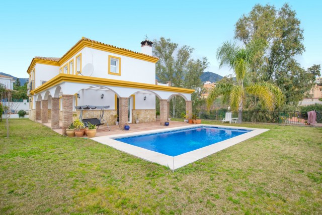 Beautiful large villa in Torreblance. This house, in an excellent condition, with 6 bedrooms and 6 b,Spain