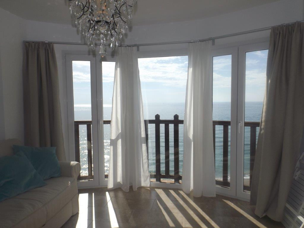 AMAZING SEA FRONT APARTMENT, NEW CONSTRUCTION WITH PANORAMIC VIEWS TO THE SEA! Beautiful front line ,Spain