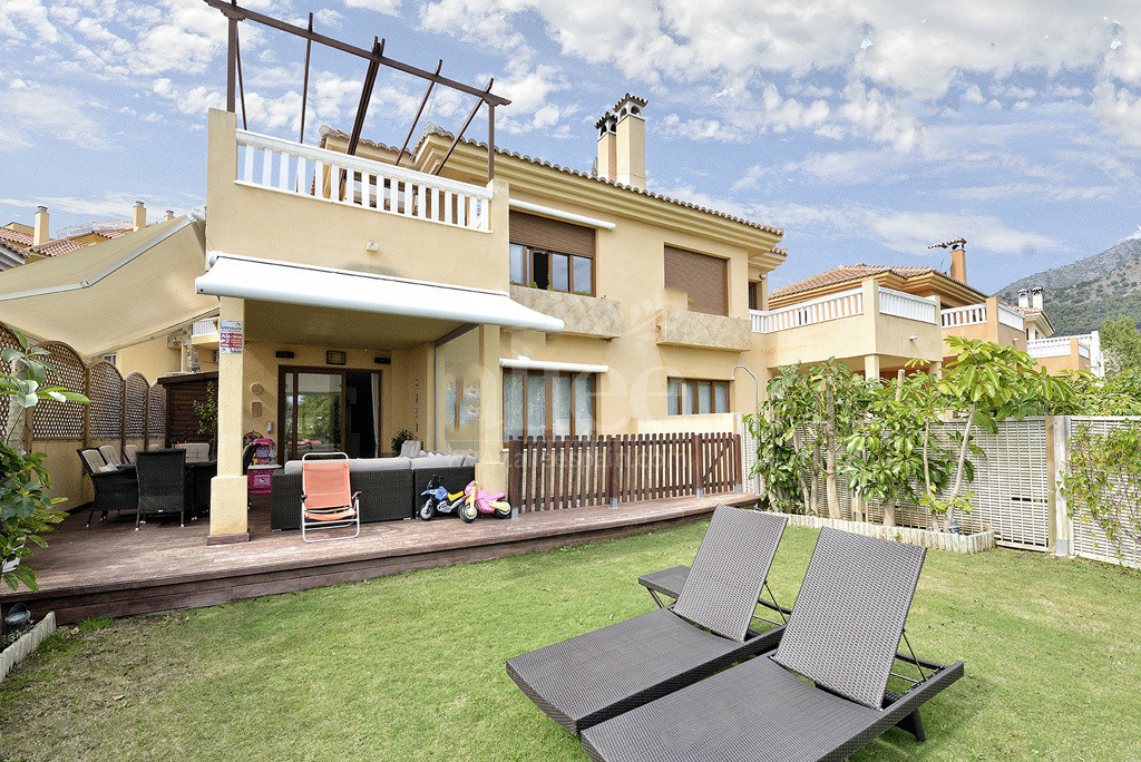Beautiful and charming semi-detached villa, with several renovations that have been improved and upg,Spain