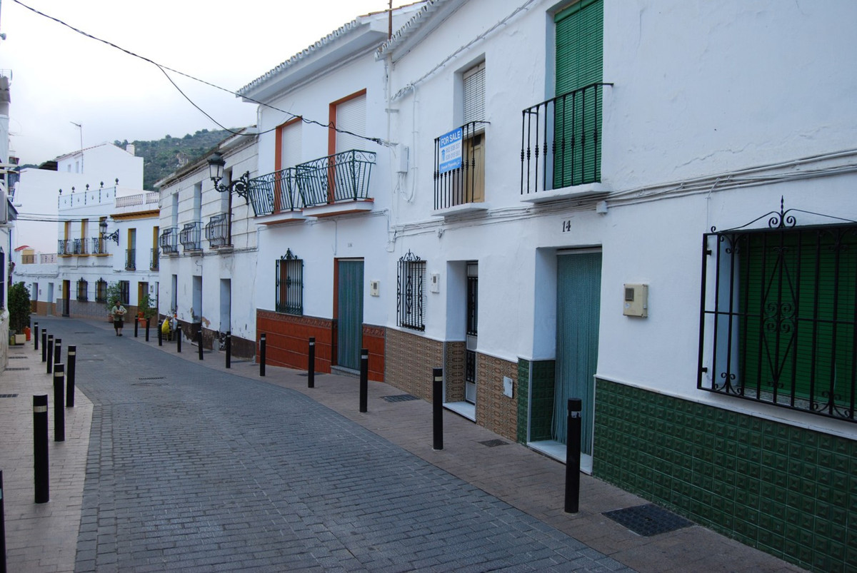 Townhouse Torrox  Spacious townhouse with several terraces This spacious authentic South orientated ,Spain
