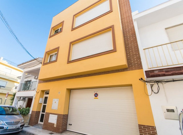 Large Duplex Penthouse in central area of Fuengirola - Las Lagunas.  Ideal for investment !!!  It is, Spain