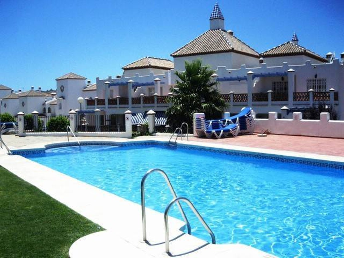 Excellent west facing penthouse with panoramic golf views! This immaculate property offers a practic,Spain
