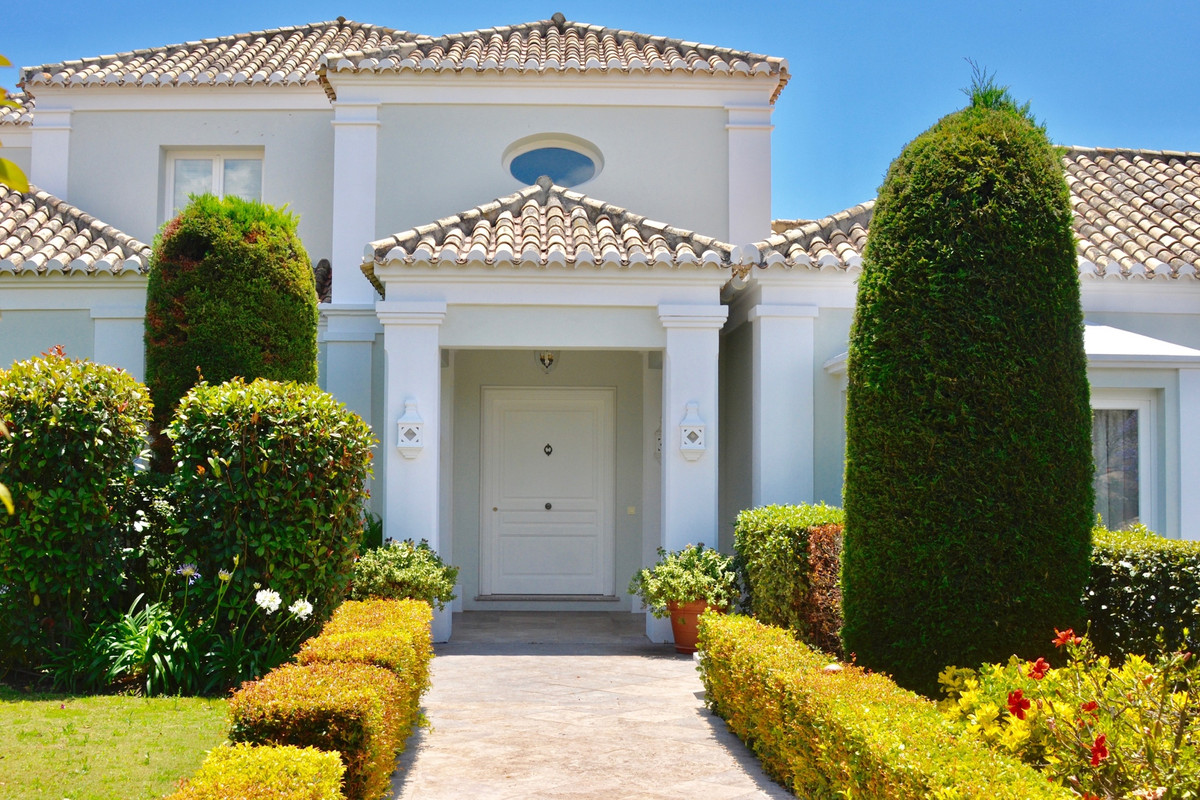 Stunning Villa located in the prestigious Los Flamingos Golf and Country Club with panoramic views t,Spain