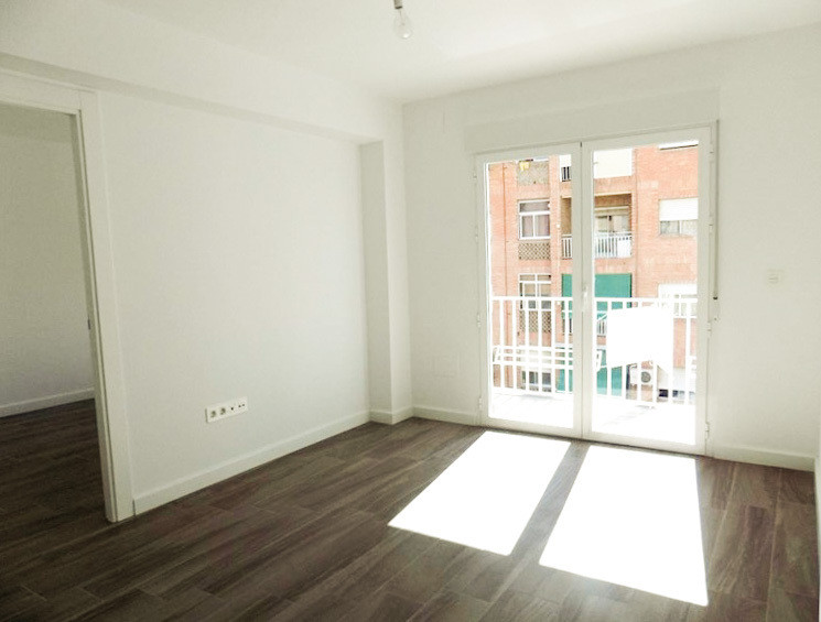 APARTMENT IN GRANADA (ZAIDIN-VERGELES)  Excellent Opportunity. Get your home completely renovated. V,Spain