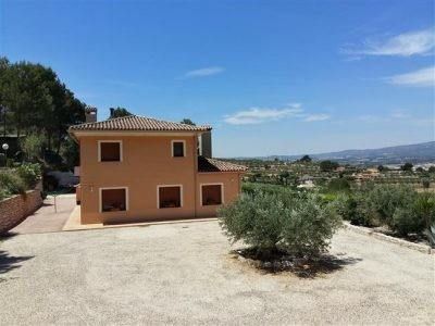Beautiful large villa of about 250m2 on a elevated plot of 15.000m2 . Only completed in 2011 this ne, Spain