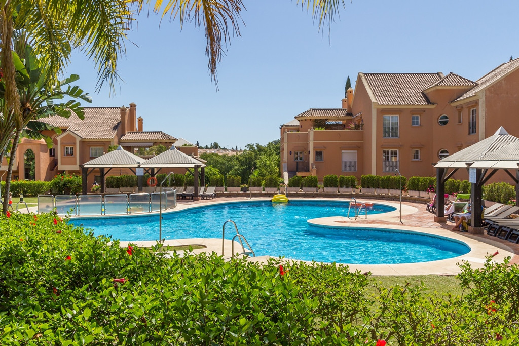 Newly reformed and extremely spacious garden duplex apartment in the prestigious and 24hr secure dev,Spain