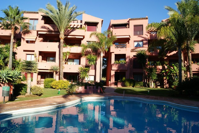 Fabulous property in a very prestigius area. Walking distance to the beach and a large communal pool, Spain