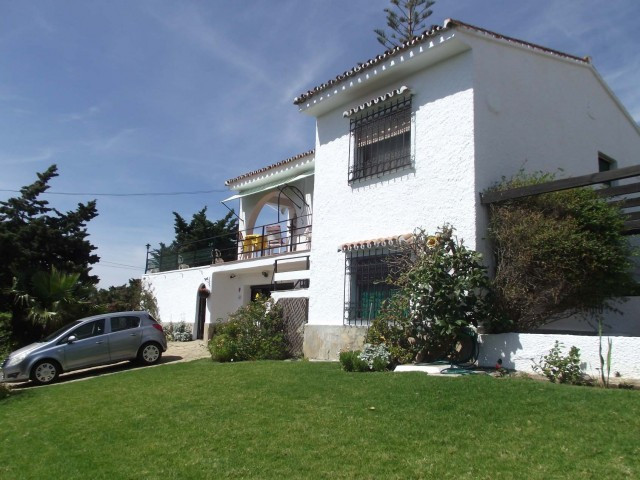 This is a well kept villa with excellent sea views and only minutes walk to the beach. It has the ad,Spain